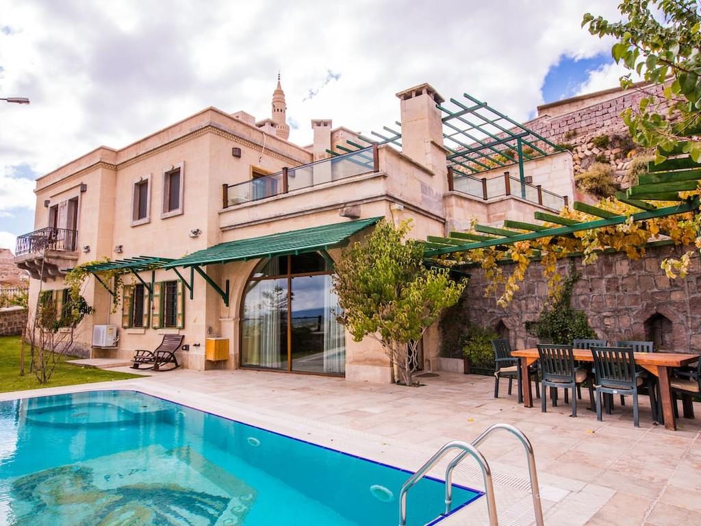 Villa by CCR