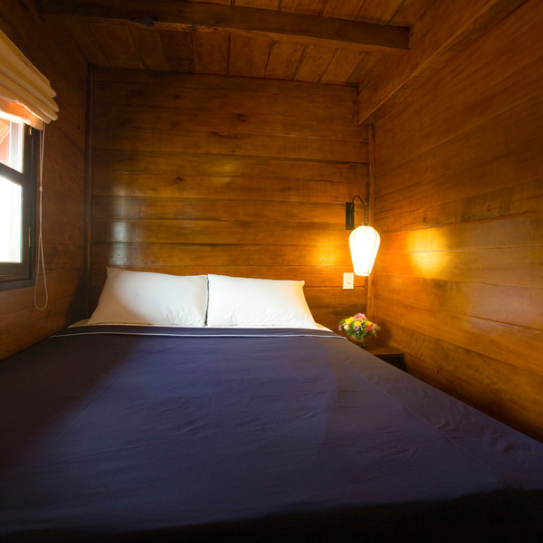Double-bedded cabin along Can Tho -- Cai Be