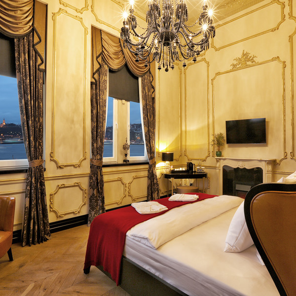 Suite Room With Golden Horn View